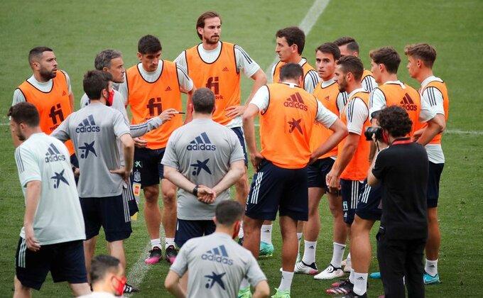 Problem za Španiju, ceo tim u izolaciji pet dana pre početka EP!