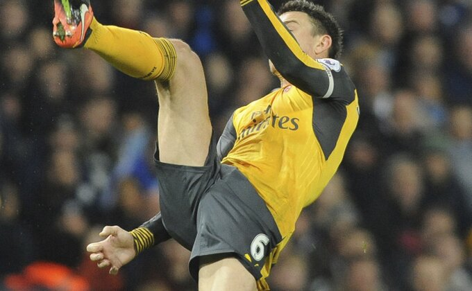 Povreda fudbalera Arsenala na startu utakmice, štoper propušta i Mundijal!