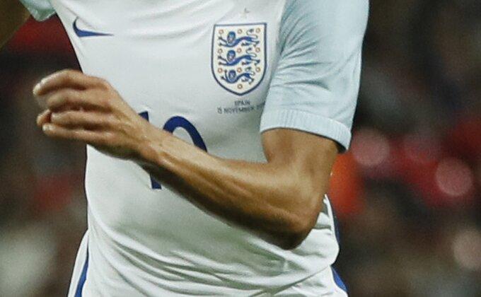 Nastavlja se egzodus engleskih talenata - Tražilo ga pola Premijer lige, potpisao u Francuskoj!