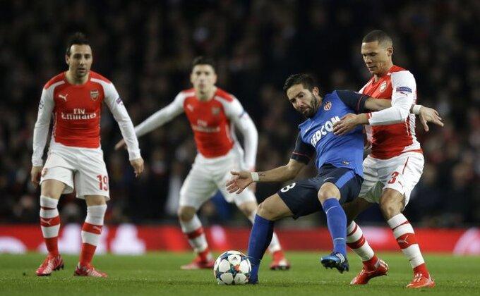 Defanzivac napušta Arsenal, ali ostaje u Premijer ligi