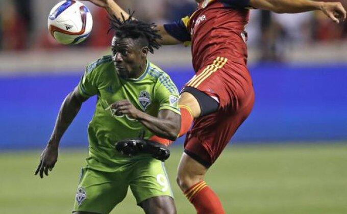 Komična odbrana Portlanda, pogledajte Martinsov gol