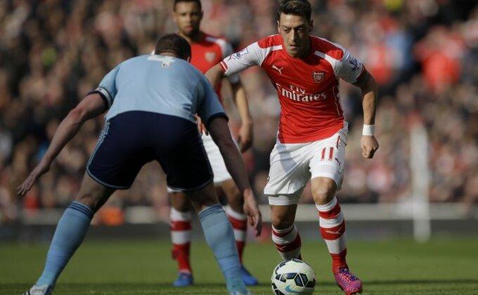 Arsenal - Upozorenje Ozilu!