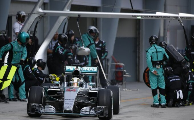 Hamilton: ''Nisam očekivao ovako brzog Fetela''