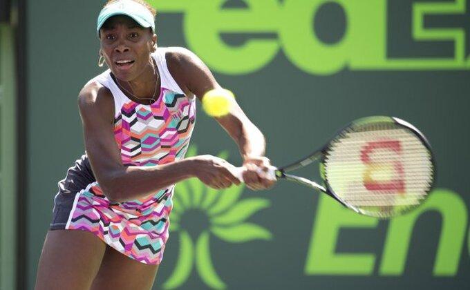 Sestre Vilijams u 1/4 finalu, Venus u sjajnoj formi