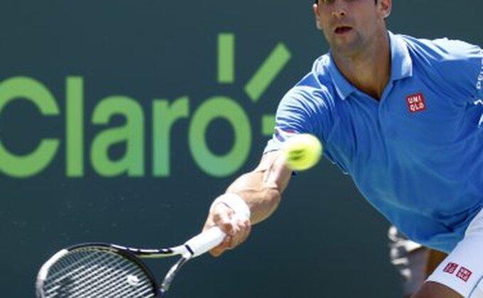 Malo levo, pa desno - Novakov najlepši poen u finalu!