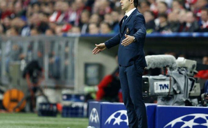 Porto smenio trenera!