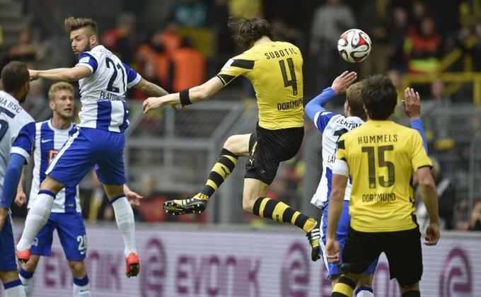 Dortmund dobio ponudu za Subotića od velikog rivala