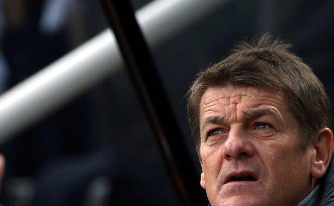Njukasl otpustio trenera