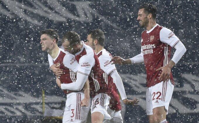 Napoli bacio oko na svetlu tačku Arsenalovog mraka!