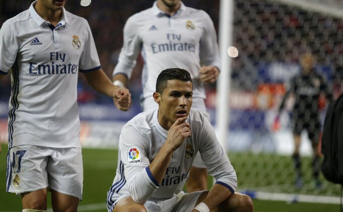 """Los Blankosi"" se uslikali posle tuša, Ronaldo kao na naslovnici modnog časopisa!"