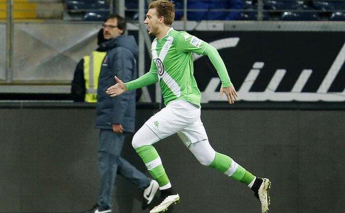 Bendtner trenira u novom klubu, hoće li potpisati?