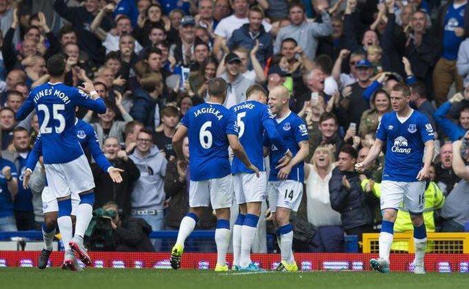 Blago Evertonu kad ima ovakvog navijača!