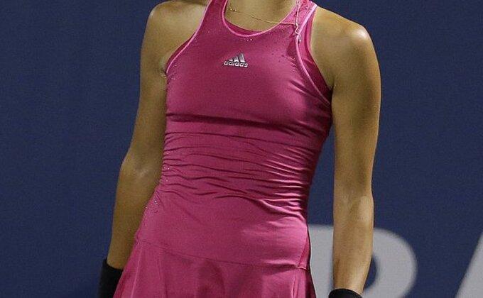Serena se izvukla protiv Ane