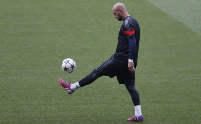 Pepe Reina se vraća u bivši klub?