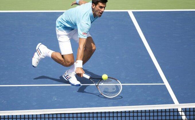 Novak neprepoznatljiv, Conga u četvrtfinalu!