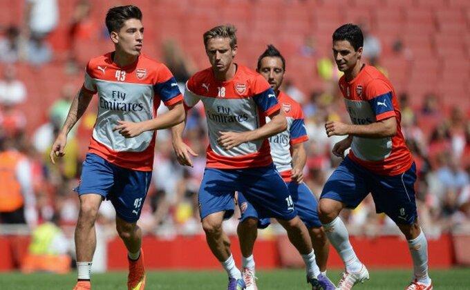 Arsenal ostao i bez drugog beka!