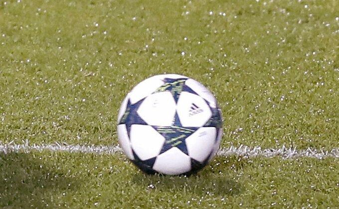 Fudbaler Ajaksa kolabirao tokom meča sa Verderom