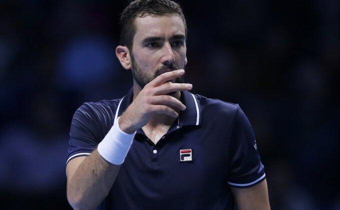Federer dominira u finalu Vimbldona, Čilić u suzama!
