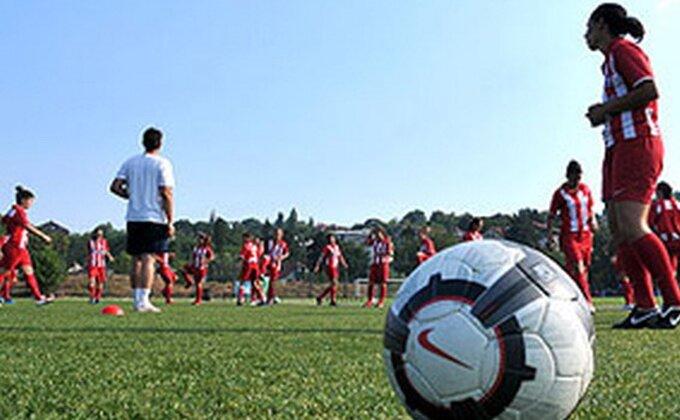 Zvezdine fudbalerke dobile derbi u Kupu