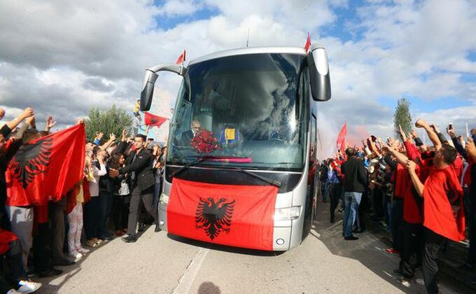 Albanci u Prištini slave plasman na EURO?