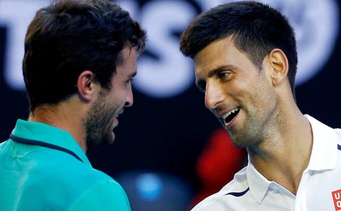 Novak u 1/4 finalu posle PET setova i 100 neiznuđenih grešaka!