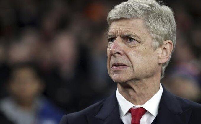Arsenal prati 'holandskog Vijeru'