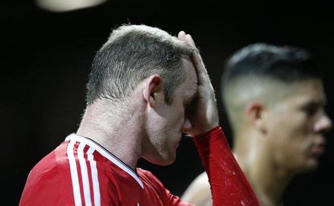Navijači PSV-a raspevani posle remija na Old Trafordu!