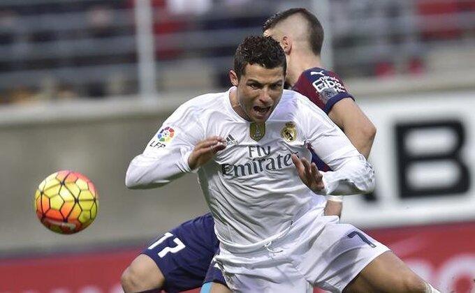 Ronaldo, da ti majka nešto kaže!
