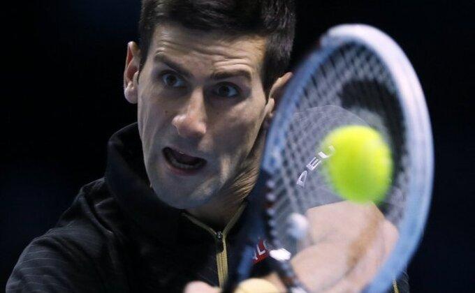 Đokovićev bekhend ili Federerov forhend?