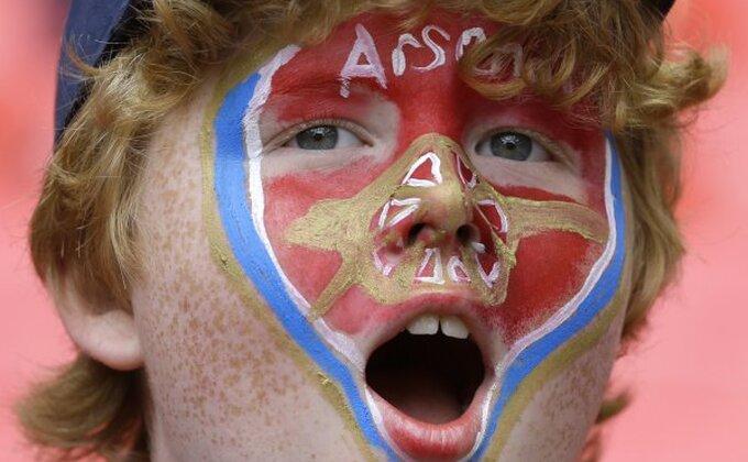 Lica navijača Arsenala sve govore
