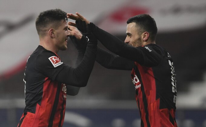 Oglasio se Luka Jović posle novog gola
