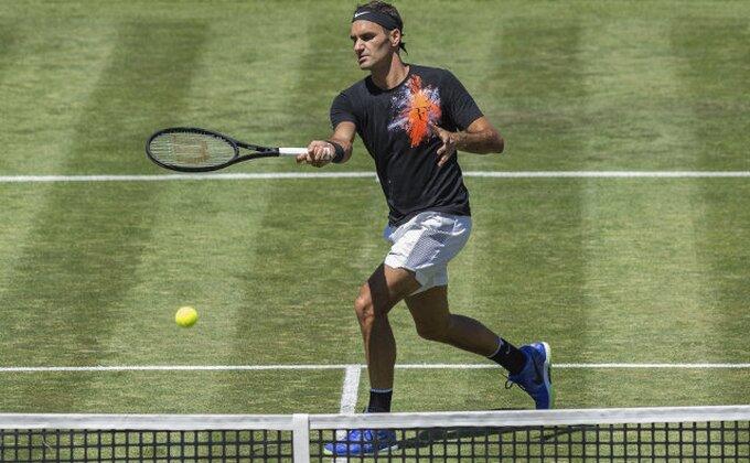 Federer ubedjivo do polufinala u Haleu