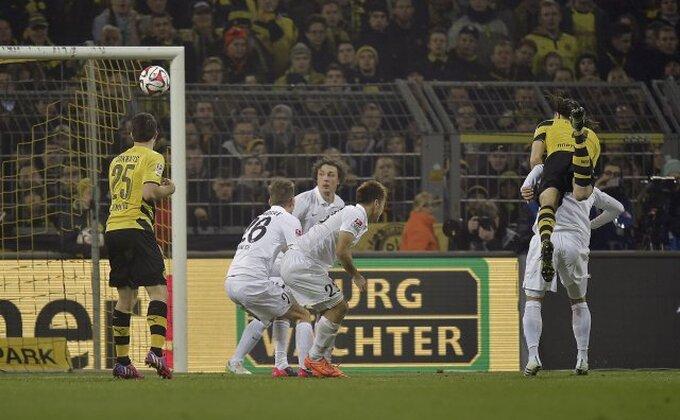 Subotić probudio Dortmund, majstorije Rojsa!