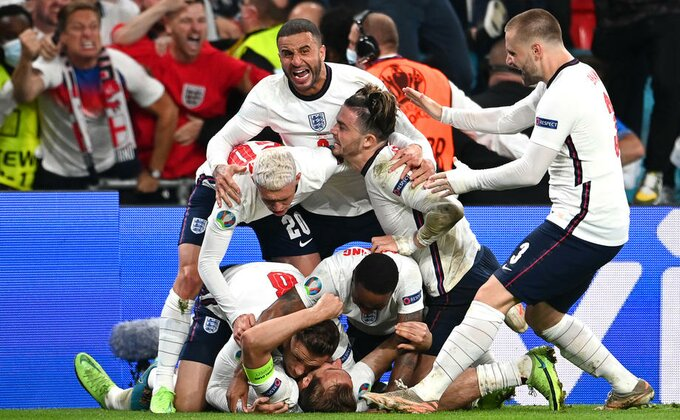 Čudesni Šmajhel, VAR i sumnjiv penal - Engleska je u finalu posle 55 godina!