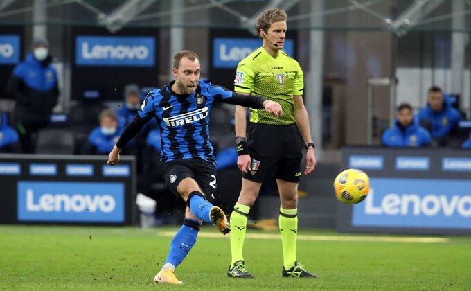 Dirljive scene iz Milana, okupljanje Intera u znaku Eriksena
