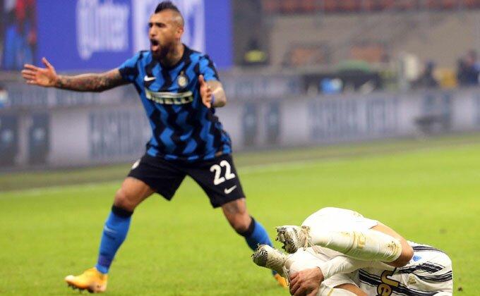 Da li je Vidal  pre pobede zaista izdao Inter? Slika obišla svet, hoće li mu biti oprošteno?