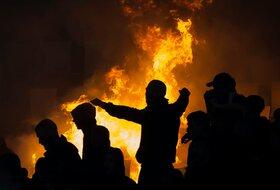 Ružna strana derbija se odvija - Tuče navijača širom Beograda