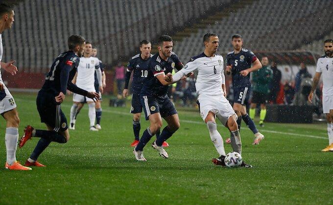 """Navijači ocenili fudbalere: """"Neprimetan, sa tehnikom na vi, neupotrebljiv..."""" (TVITOVI)"""