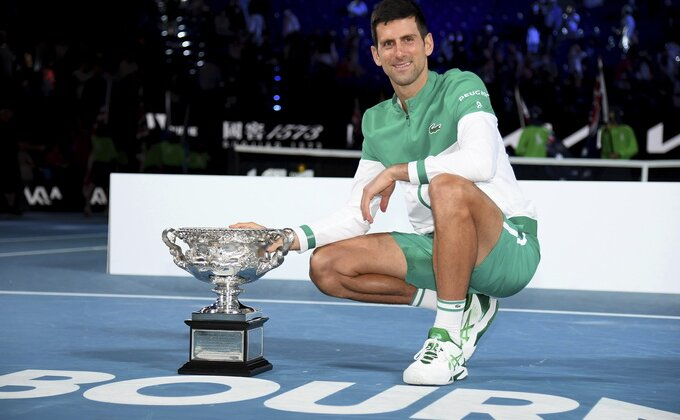Novak od teniskih loptica, ovakav portret najboljeg tenisera sveta još niste videli!