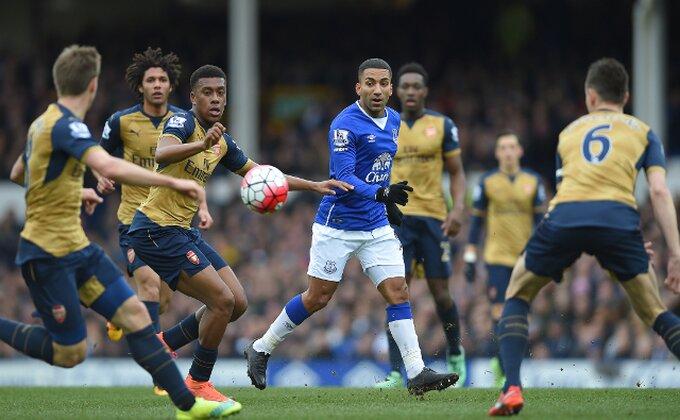 Arsenal menja čitavu odbranu, petorica se traže!