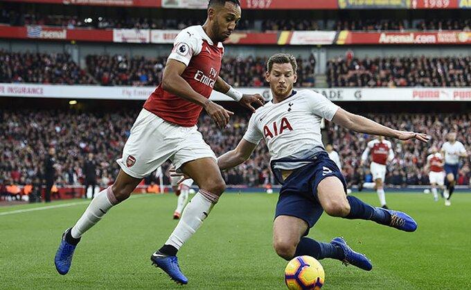 "EFL kup - Sparsi vode, ali zna se kad Arsenal ""pali motore"", miroljubivo na ""Bridžu"" (POLUVREME)"