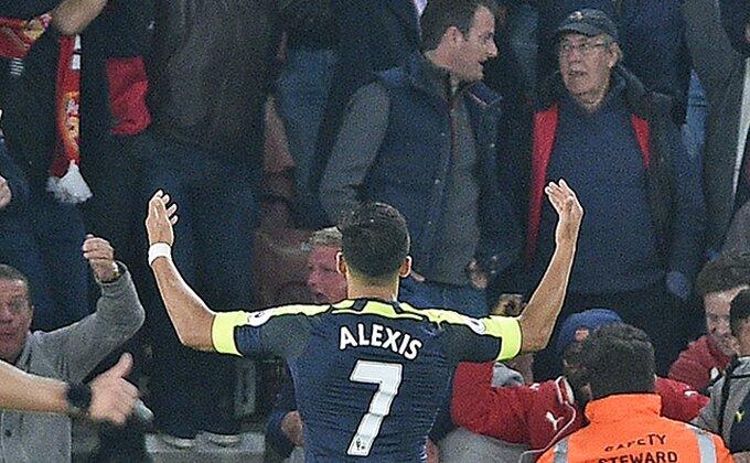 Sančez vuče Arsenal ka Ligi šampiona!