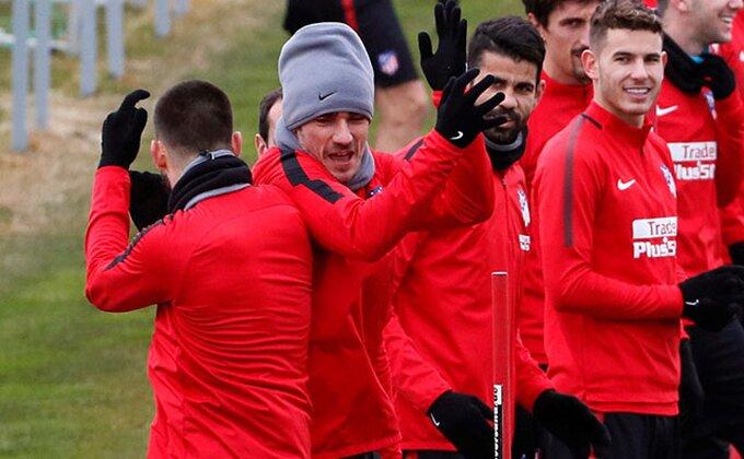 """Bek Atletika pecnuo brata iz Reala: """"Prvo, srećan Božič, a četvrto, pa to je Real"""""""