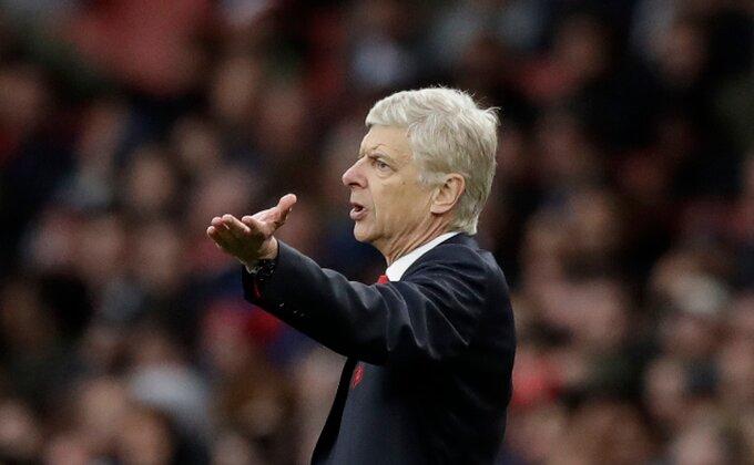 On će sledeće sezone igrati u Arsenalu! Znači li to da Ozil definitivno odlazi?