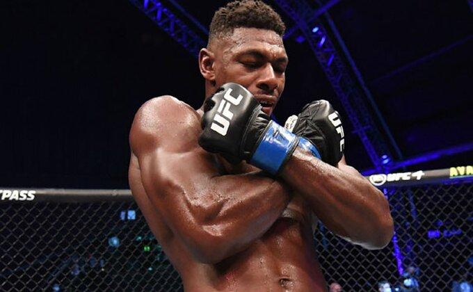 Najstrašniji nokaut u istoriji UFC, snimak obišao svet!