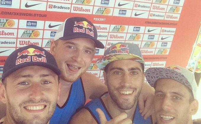 Srpski basketaši odbranili titulu prvaka sveta!