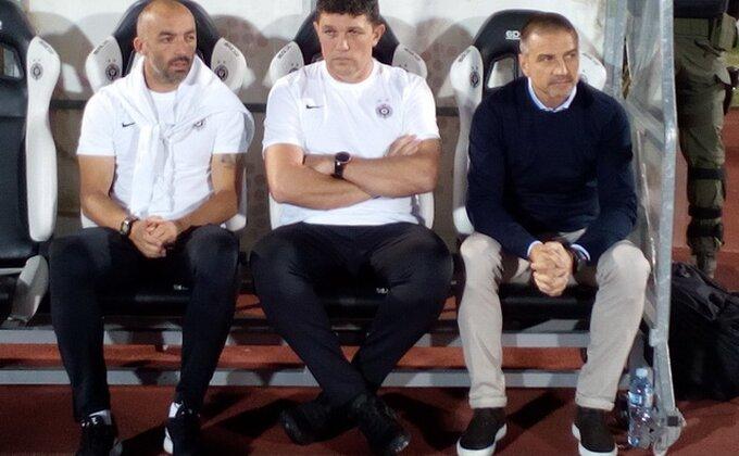 Iz Partizana je otišao zajedno sa Mirkovićem, karijeru nastavlja u Grčkoj