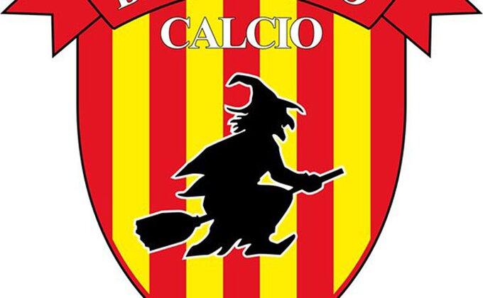 Džak soli i par metli ispred stadiona, možda će Benevento početi da pobeđuje