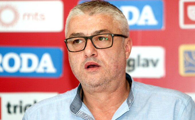 Srpski košarkaši u Novom Sadu, Danilović ne želi centralizaciju