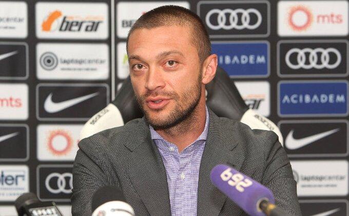 Partizan - Iliev najavio dobre vesti, Everton blista, ali šta je sa ''bombama''?